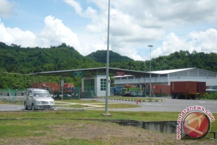 Pengusaha Perbatasan Keluhkan Tarif  'Inland Port' Tebedu