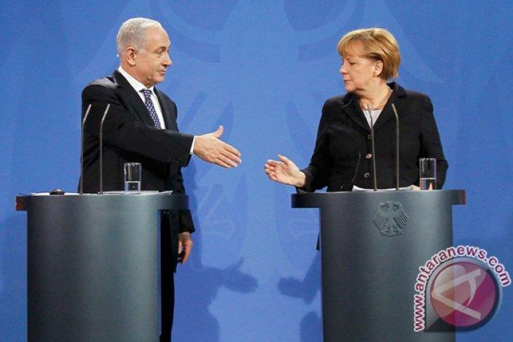 Netanyahu tells Merkel Iran is greatest threat to world security