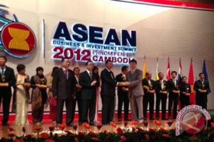 Dua Kemenangan bagi Meritus Hotels & Resorts pada ASEAN Business Awards 2012