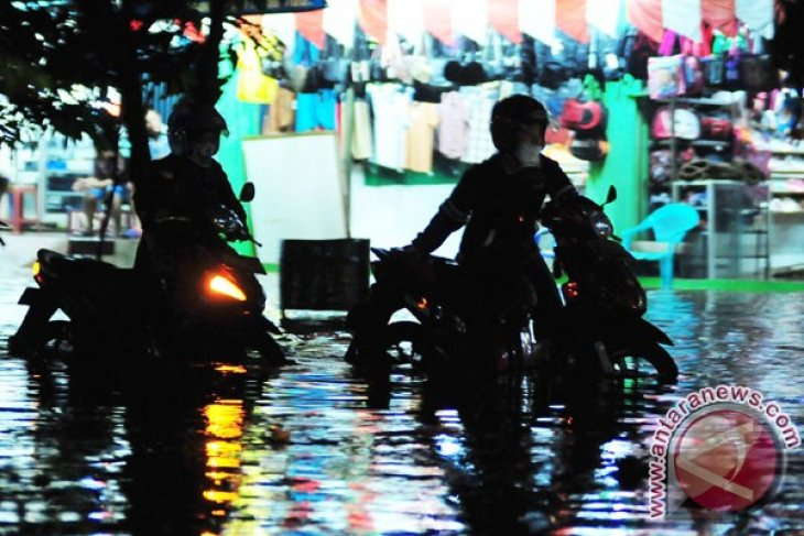 Bekasi to build four reservoirs to cope with flooding