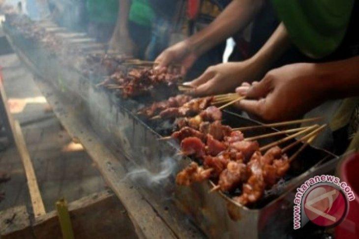 WNI di Abu-Dhabi Berlebaran Dengan Makanan Indonesia
