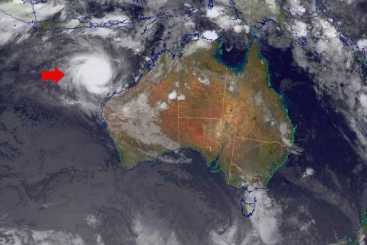 Cyclone Narelle affects East Nusa Tenggara