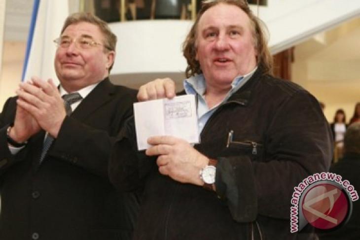 Ukraine slaps broadcast ban on 13 Russian artists, including Depardieu
