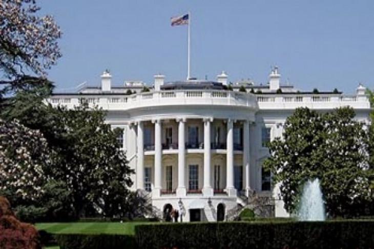 White House intruder gets 17-month jail term