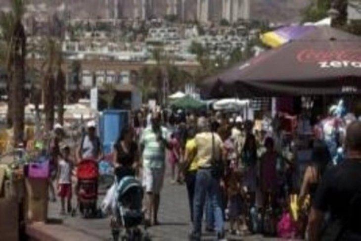 At least 2 rockets hit Israeli resort town of Eilat