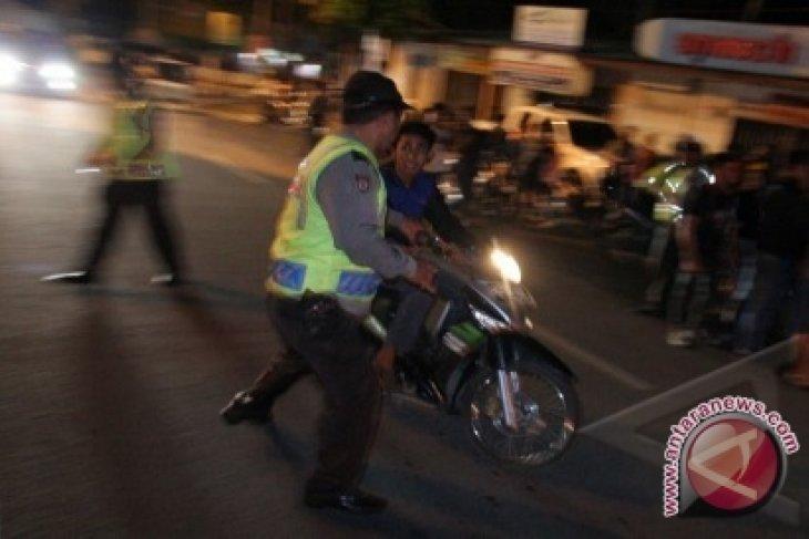 Polisi Tilang Pengendara