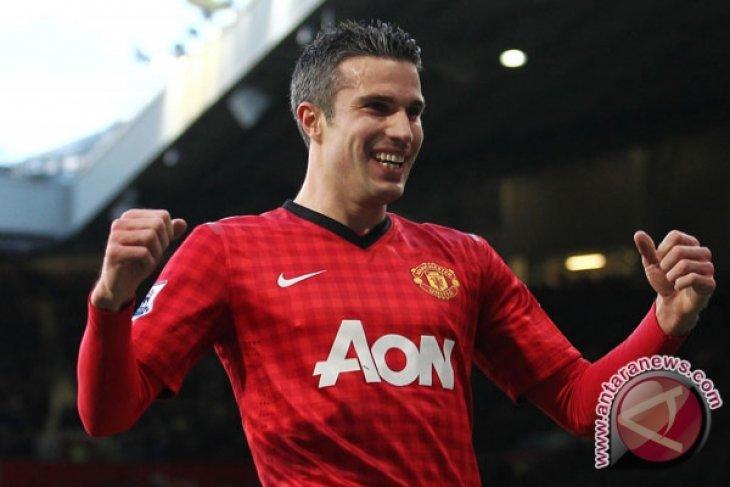 Van Persie bawa United ke peringkat ketiga