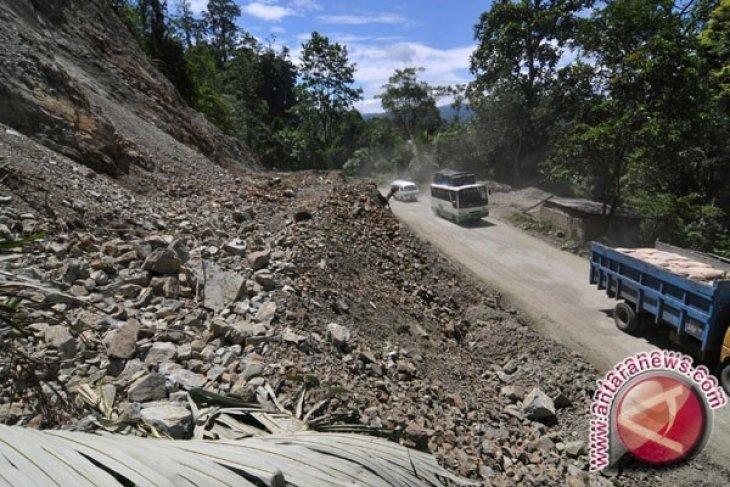 Jalan Bangka Tengah Kelebihan Beban Rawan Rusak