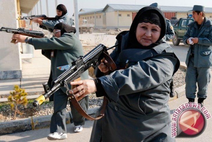 Perempuan polisi di Afghanistan tewas diserang pria bersenjata