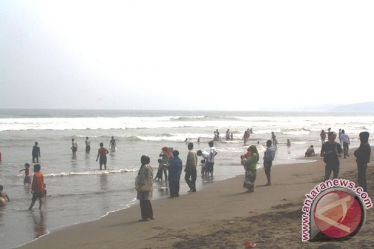 Libur Nyepi Objek Wisata Palabuhanratu Sepi Pengunjung