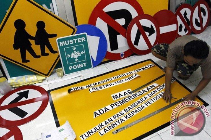 Jalan Tiga Belitang perlu perbanyak rambu jalan