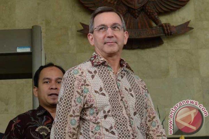 US ambassador says farewell to KPK chairman
