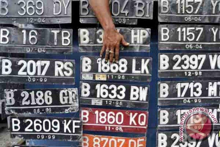Korlantas: Pergantian warna pelat nomor kendaraan secara bertahap
