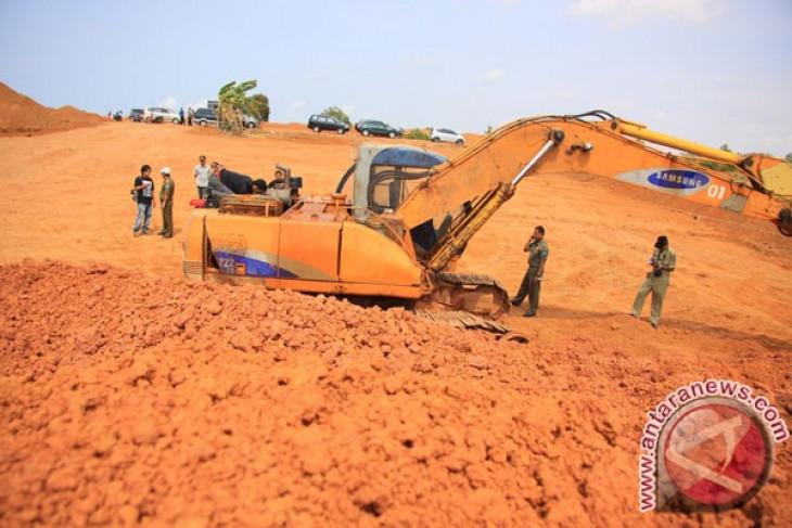 Bauxite mining activities continue despite ban