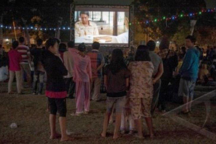 OJK Hadirkan Bioskop Keliling di Cilegon