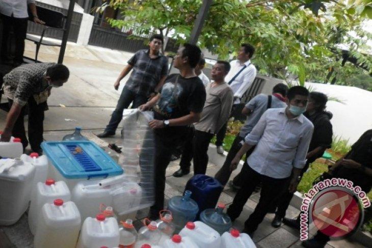 Polisi sita ratusan kilogram bahan baku shabu