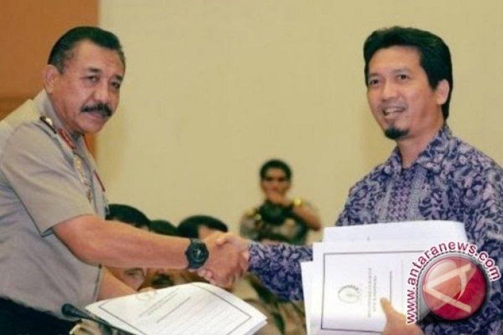 Legislator Desak Anggota TNI Wanita Boleh Berjilbab