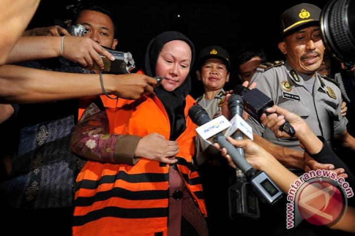 Governor ofBbanten province Ratu Atut Chosiyah detained