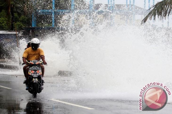 BMKG pantau bibit siklon tropis di Maluku
