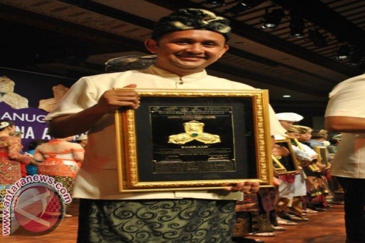 Grand Istana Rama Sabet Emerald THK Award