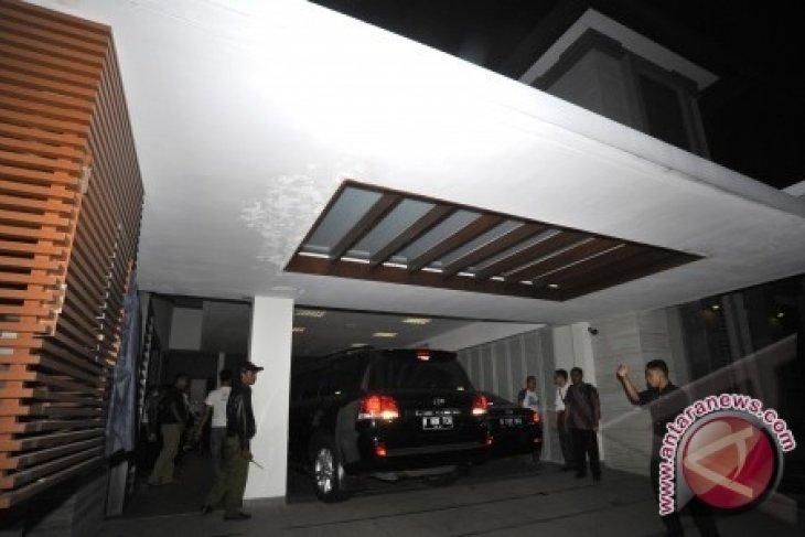 KPK Kembali Sita Lima Mobil Terkait Kasus Wawan
