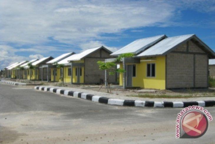 Rumah Dinas TNI Tertimpa Pohon di Abdya