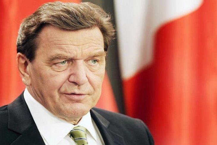 """German Ex-Chancellor Schroder calls EU`s Ukraine policy """"mistake"""""""