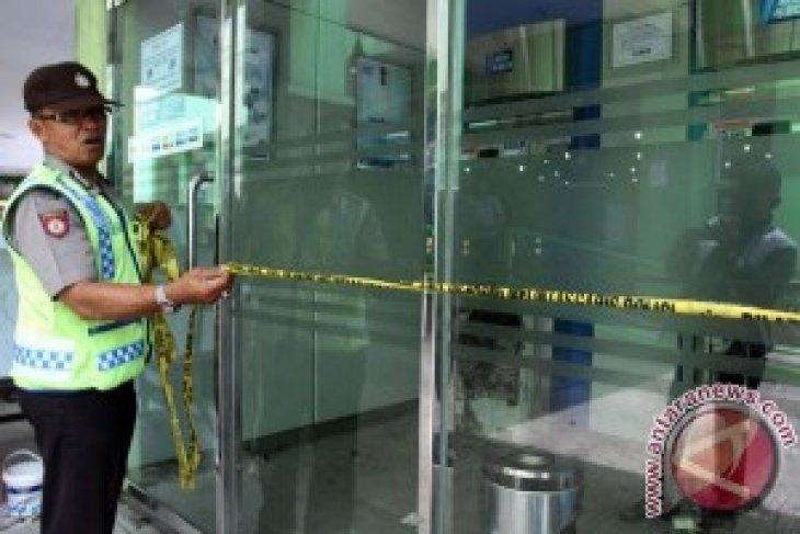 Tali penarik putus, ATM milik Bukopin selamat dari aksi garong