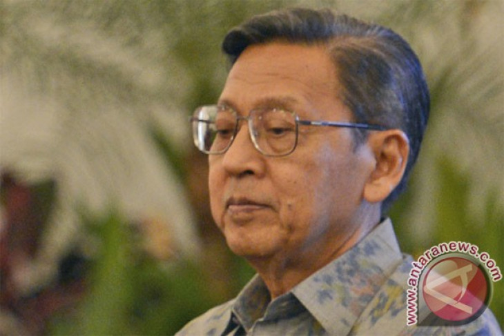 VP Boediono pays tribute visit to minister`s mother