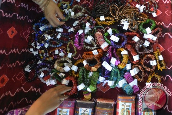 Bali`s plastic crafts exports increase by 43.21%
