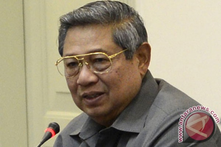 President Yudhoyono presents economic achievements during his government