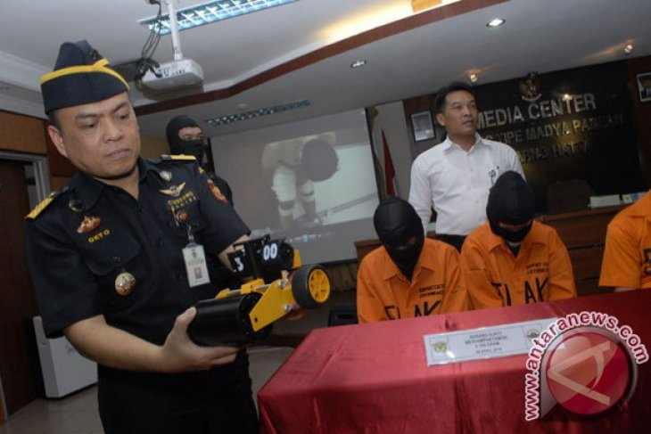 Indonesian customs foil multiple attempts to smuggle 15 kgs meth
