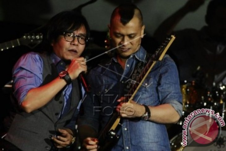 Ari Lasso Dalam 100% Musik Indonesia