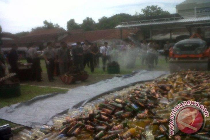 Polresta Bogor musnahkan 6.020 botol minuman keras