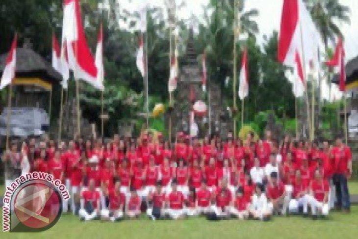 INTI Bali Serahkan Bingkisan Kepada Veteran Pejuang
