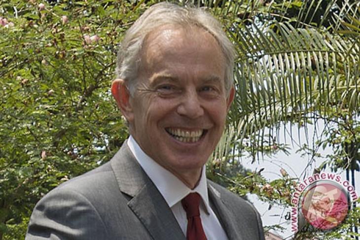 Mantan PM Inggris Tony Blair dituduh melanggar aturan karantina COVID-19