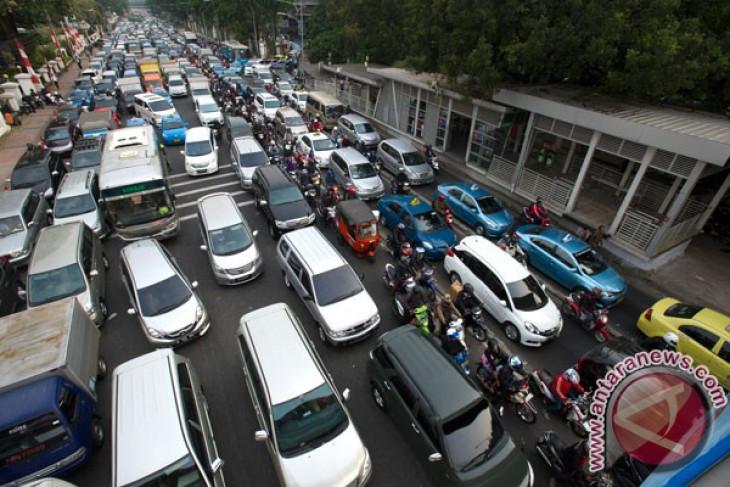 Tansportasi massal Jabodetabek solusi atasi kemacetan