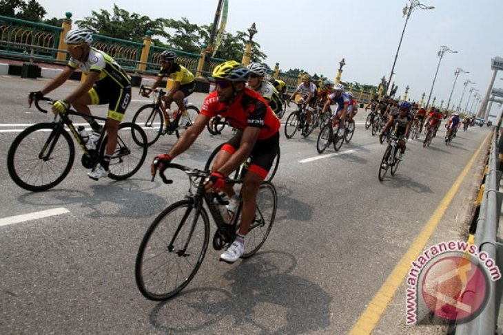 69 cyclists take part in Tour de Siak 2018