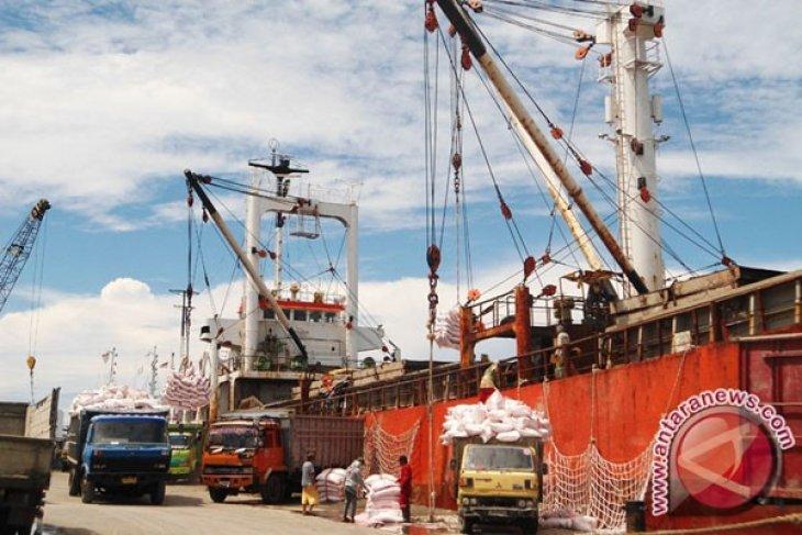 Kapal Tol Laut Tiba Di Tanjung Perak