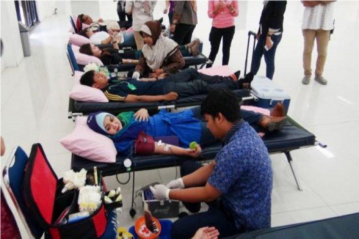 Jungleland ajak pengunjung donor darah