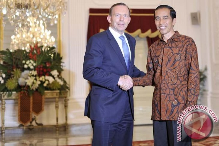 President Jokowi receives Prime Minister Abbott after inauguration