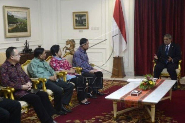 Presiden serahkan nama Busyro-Robby ke DPR