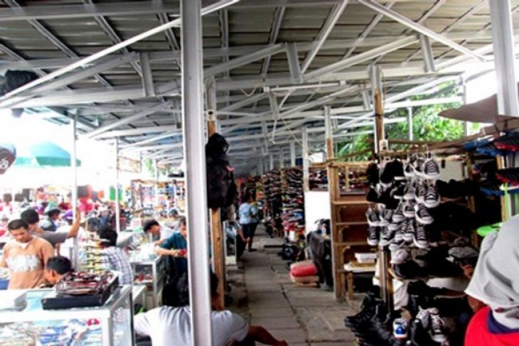 Pemkab Bekasi siapkan dua tempat relokasi PKL