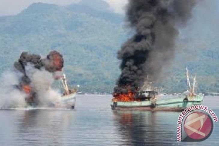 TNI AL Tenggelamkan Kapal Nelayan Vietnam