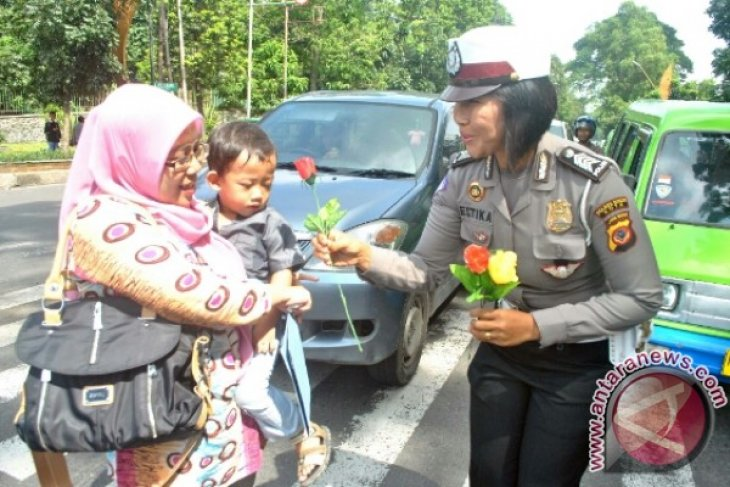 Indonesian women should unite to advance nation
