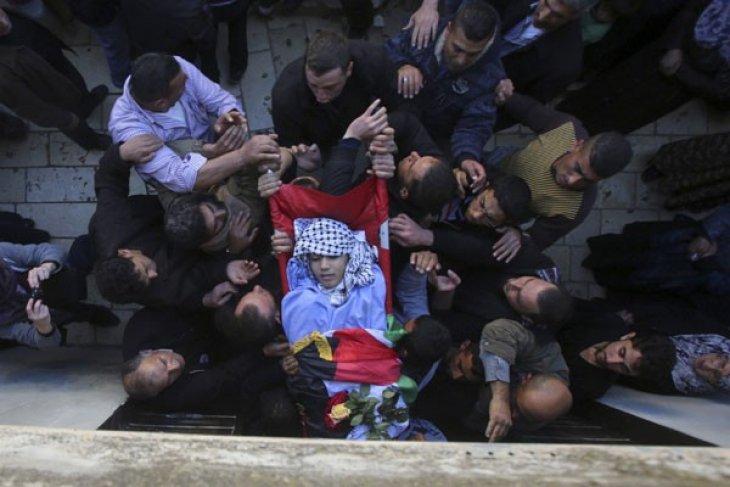 Palestinian prisoner dies in Israeli jails