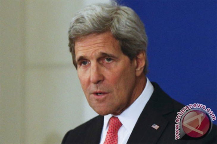Kerry pays tribute to Saudi's Prince Saud al-Faisal