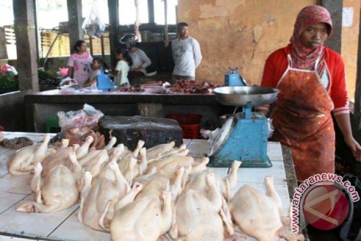 Pasar Tradisioanal Penajam Sepi Pembeli Jelang Ramadahan