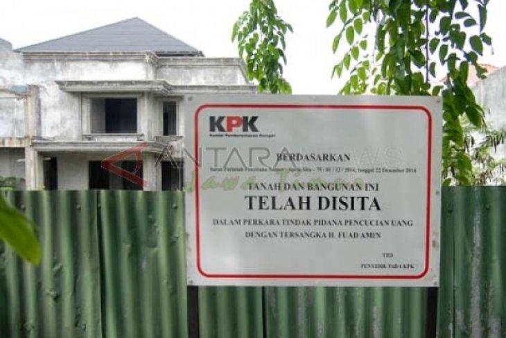 Tiga Aset Korupsi Fuad Amin Laku Rp16,9 Miliar