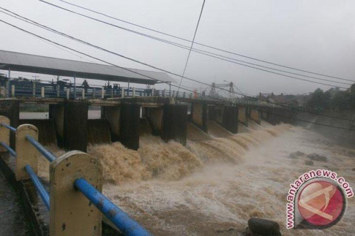 Katulampa Bertahan Siaga Empat Banjir